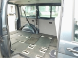 VW Transporter-nákladový prostor-3